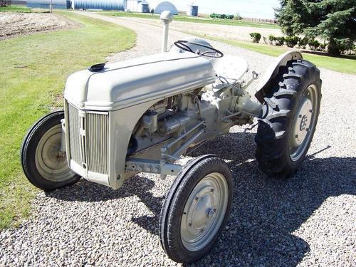 1946 8n Ford Tractor : Ford n tractor pictures to pin on pinterest daddy