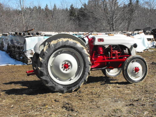 N Ford Tractor With Hydraulics